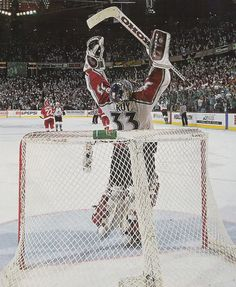 Patrick Roy, Colorado Avalanche win the Stanley Cup... one of the greatest moments ever!!