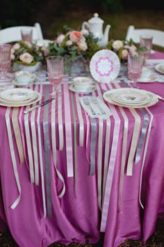 {So fun and easy} DIY ribbon table runners! styled by ThreeApplesEvents.com + shot by She-N-He.com