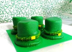 st.patrick's day dessert ideas, St. Patrick's Day dessert ideas for kids, st. patrick's day marsmallow hats, st. patrick's day treats. holiday ideas, leprechaun hat, food, st patricks day, st patti, stpatrick, treat, parti, marshmallow leprechaun