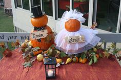 Fall Bridal Shower, on cake table with cupcakes around?
