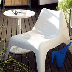 I love this design!  IKEA PS VÅGÖ chair & IKEA PS SANDSKÄR (removable) tray table