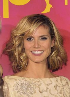 Best Hairstyles for Long Face Shapes: The Most Flattering Length on All Face Shapes: Shoulder-Length