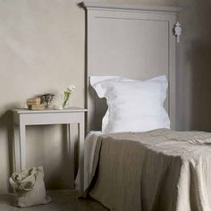Bedroom furniture valkoinen