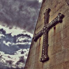 Cruz de la Victoria #Oviedo #ComparteAsturias  serruchero