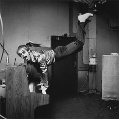 Photographers Gallery - Elton John - Keyboard Handstand by Terry O'Neill (© Terry O'Neill)