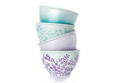 Add some color to your kitchen with these bowls inspired by the April cover of Martha Stewart Living! Craft your own with dishwasher-safe Martha Stewart Crafts Paint and stencils! #marthastewartcrafts