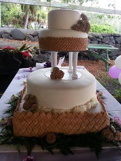 Wedding cake with lauhala fondant trim