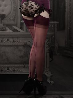 Exclusive Limited Edition Plum Fully Fashioned Stockings - Gio