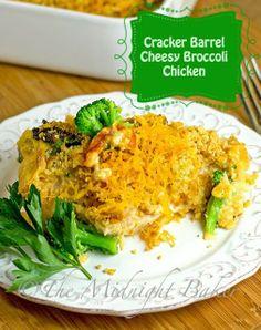 Cracker Barrel Cheesy Chicken and Broccoli | bakeatmidnite.com |  #copycatrecipes #crackerbarrel #chicken