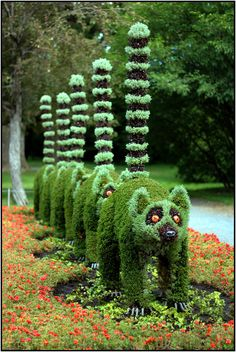Topiary - Lemur line-up at Montreal Botanic Gardens, Canada