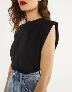 Bershka T-Shirt With Pleats Along the Shoulders