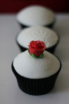 Simple rose cupcakes