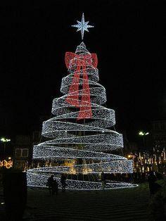 Guimaraes Christmas Tree by nizz7, via Flickr