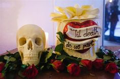 Til death do us part, skull wedding cake, image by Jacqui McSweeny Photography