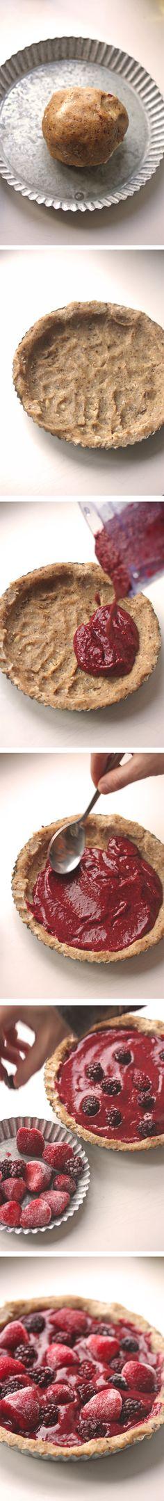 Raw Vegan Simple Chia pudding Pie.     #no-bake #raw #vegan #pie #chia #healthy #dessert #berries #sweet @Lissette Valdes Devereaux