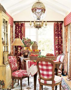 gorgeous French Country decor.