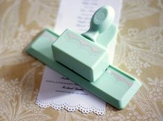 Ever wondered what you need to put on a wedding program?   Wonder no more, as this page answers all of your questions.