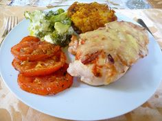 SPLENDID LOW-CARBING BY JENNIFER ELOFF: CREAMY SAUCE, BACON AND SWISS CHEESE SMOTHERED CHICKEN BREASTS
