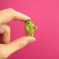 This teeny-tiny zombie is way too small to eat your brains! Just keep him away from your pet hamster… Each zombie is hand knit in Brooklyn by Anna Hrachovec. Your zombie will differ slightly from the zombie pictured. NOTE: This item is not a toy. Not suitable for children ages 0-3. This item ships within 5 business days. Materials : Wool/nylon yarn and polyester stuffing Size : 1 inch (3 [...]