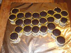 Hosre cupcake ideas | Love-4-Home~: Pullapart Horse Cupcake Cake
