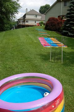 DIY backard water park and obstacle course - so cute!