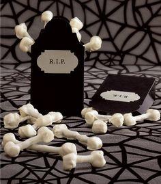 mini marshmallow-pretzel bones