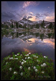Gorgeous Oregon: Sunshine Lake.  via Kinda Knotty.