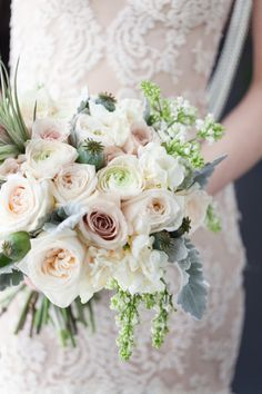 Romantic wedding bouquet: http://www.stylemepretty.com/little-black-book-blog/2014/06/17/bubble-wedding-inspiration/ | Photography: Melissa Kruse - http://www.melissakruse.com/