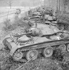 Covenanter tanks harboured by the side of a road during Exercise 'Spartan', 6 March 1943. #worldwar2 #tanks