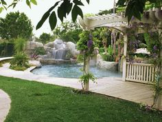 BACKYARD OASIS HAS TROPICAL FEEL