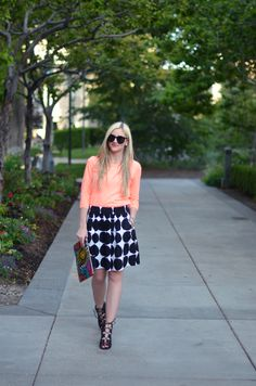 Little Miss Fearless pairs Banana Republic x Marimekko with a pink lip for perfect summer style.