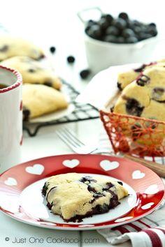 Blueberry Creme Fraiche Scones @Nami | Just One Cookbook