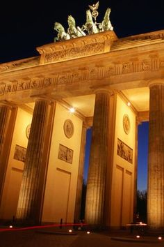 Brandenburg Gate Berlin iPhone Wallpaper HD.   You can download this free iPhone Wallpaper for your iPhone 3g, iPhone 3gs, iPhone 4, iPhone 4s & iPhone 5 from:   http://www.iphonewallpaperstore.com/background-1712-brandenburg-gate-berlin/