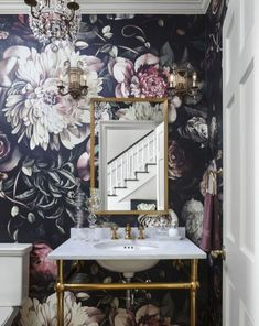Cozy Small Powder Room Design Ideas 17