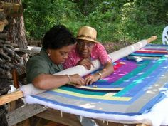 Quilting in Gee's Bend