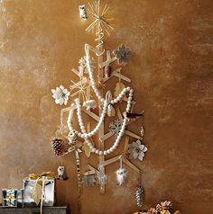 Small space DIY Christmas tree ideas // pretty