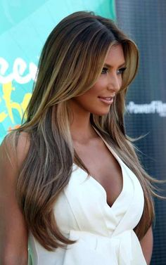 Kim Kardashian's hair highlights are awesome!