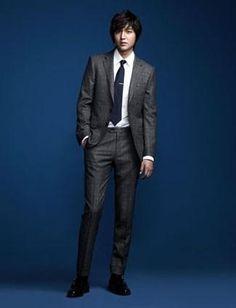 Lee Min Ho lead korean actor  In suit