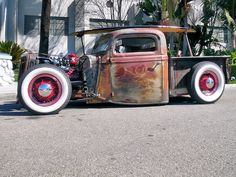 I'm pretty sure this is Billy F. Gibbons' (ZZ Top) rat I saw at the Grand Natl Roadster Show in 2011. rat rods, hot custom, car custom, truck, sport cars, hotrod, hot rods, rats, custom car