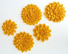 cool art idea, felt flowers via http://milesofsunshine.blogspot.com/2011/05/felt-flowers.html