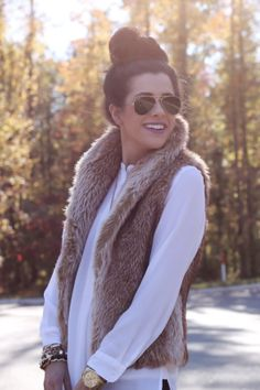 Found my moms old fur vest & it's just like this one. I'll be sure to make an outfit out of it. This will be so cute for the winter! Fall Fashions, Fashion Ideas, Style, Fur Vests, Sweetest Things, Furs Vests Outfits, Vests For Fall, Fall Outfits Fur, Absolute Obsession