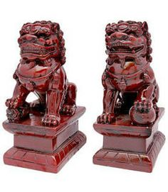 Fu Dog statues in feng shui http://fengshui.about.com/od/fengshuigoodluckcures/ig/Feng-Shui-Fu-Dogs/