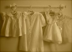 christening gowns, display, cottages, babi cloth, vintag babi, baby dresses, babies clothes, vintage collections, vintage clothing
