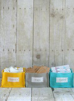 LOVE these easy DIY felt organizer baskets! Use mario felt