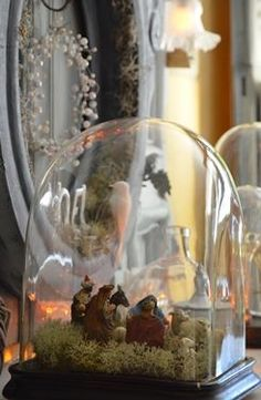 Cloches on pinterest bell jars chicken wire and glass for Cloche verre decorative
