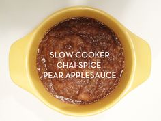 slow cooker chai-spice pear applesauce!! love anything with chai in it