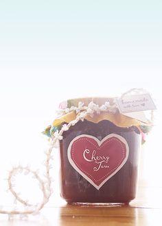 Free printable labels. canning labels, gift, wedding favors, canning jars, printable labels, homemade jams, jam label, jar labels, diy home