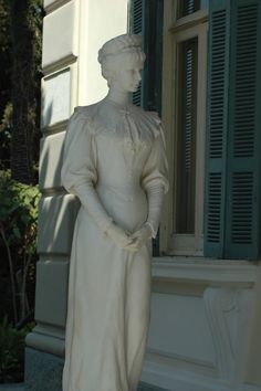 Statue of Sisi at the Achillion Palace in Corfu, Greece