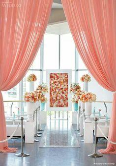 Love this garden modern ceremony decor!