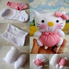 DIY poupée Hello Kitty avec des chaussettes   UsefulDIY.com Follow us on Facebook ==> https://www.facebook.com/UsefulDiy